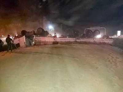 Aparatoso accidente entre un CAMIÓN y un TRACTOR en plena RUTA