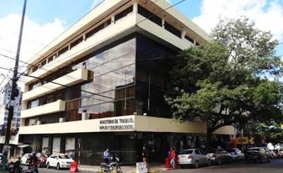 HOY / Denuncian incumplimiento de protocolos sanitarios en el Ministerio del Trabajo