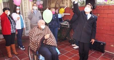 Homenaje a Artemio Bracho, artífice del Día de la Amistad