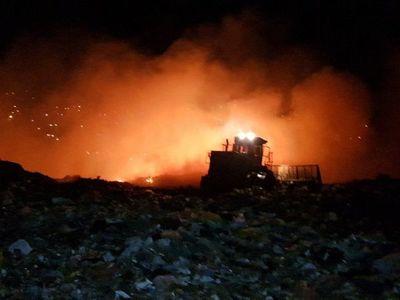 Incendio de grandes proporciones de basural en Roberto L. Petit