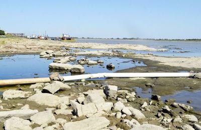 Descenso del caudal del río Paraguay   dificulta la navegación de cargueros