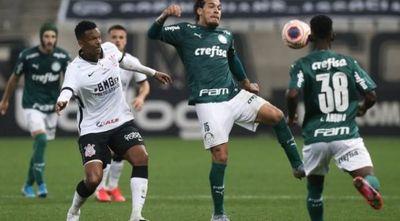 Corinthians y Palmeiras empatan en la final de ida del título Paulista