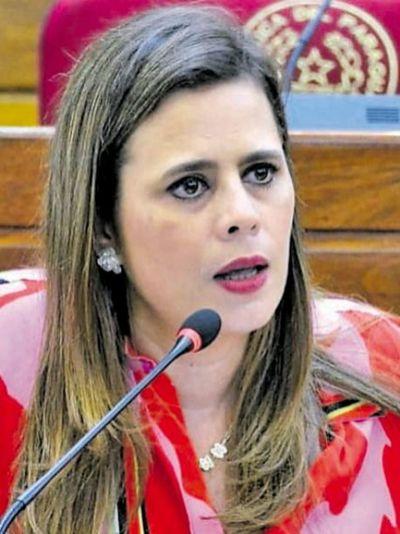 "Uso de mascarillas: pedido cartista de rectificación de votos puede sentar un precedente ""peligroso"", según Diputada"