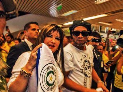 Defensa de Dalia alega que se apropiaron de los documentos de Ronaldinho