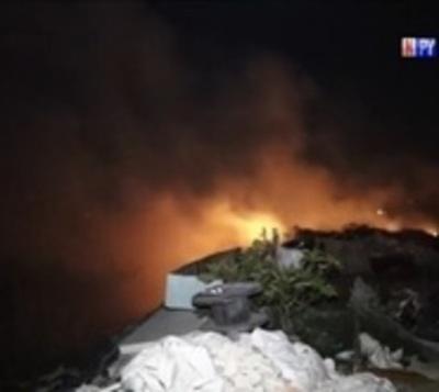 Viviendas se salvan del fuego tras incendio de gran magnitud