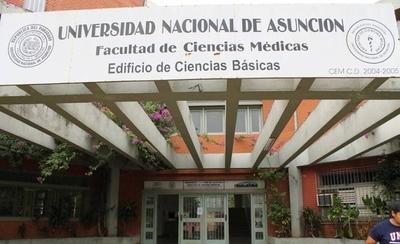 HOY / Médica de la UNA denuncia acoso laboral y persecución tras pedir permiso por lactancia