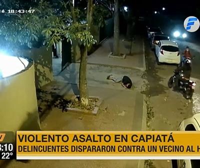 Fingió recibir disparos para evitar que lo maten al defender a su vecina