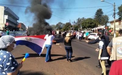 Siguen protestas a esperas del pago de las gratificaciones de salud