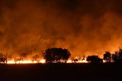 Incendio de pastizal en Ypané