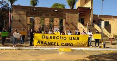 Estudiantes de Derecho UNA se manifestaron a favor del arancel cero