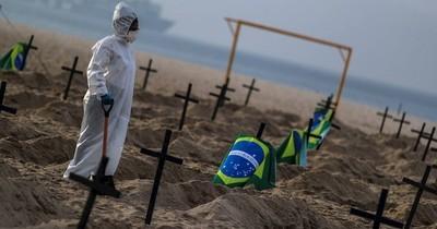 Un Brasil sin brújula llega a las 100.000 muertes por COVID-19