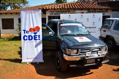 Te Queremos CDE entrega camioneta a la Cruz Roja