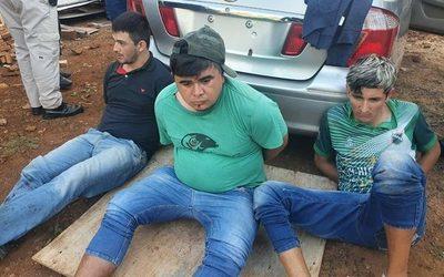 Detienen a tres delincuentes tras intento de asalto