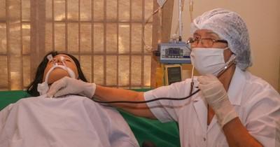 Más de 100 médicos suman labores en terapia intensiva ante escasez de especialistas
