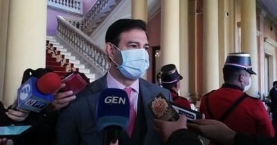 Senadores de la oposición se creen Dios al amenazar al Ejecutivo, dice Ovelar