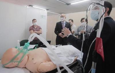 106 médicos ya están capacitados para colaborar en la atención en terapia intensiva