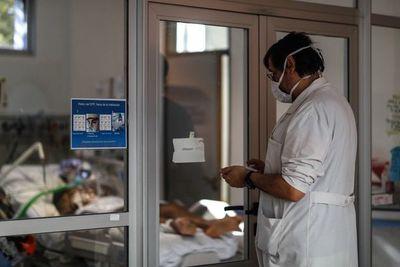 Tercer día consecutivo con récord de contagios de covid-19 en Argentina