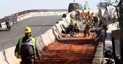 Ejecutar obras sin recursos es un riesgo que puede impactar al país