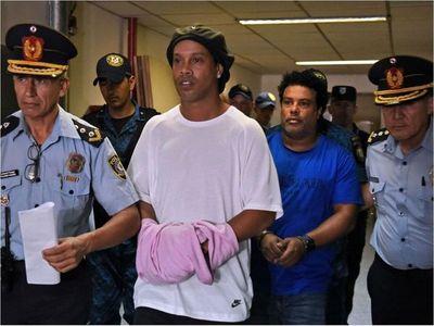 Alexis Penayo se quedó con documentos de Dinho, afirman