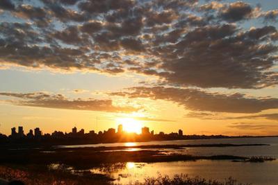 Clima caluroso y sin precipitaciones para este viernes, anuncia Meteorología