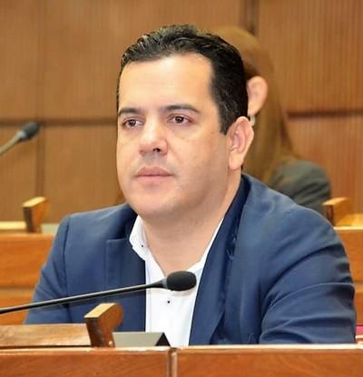 """Labriegos de San Pedro exigen cambio urgente del """"amigo corrupto de Marito"""""""