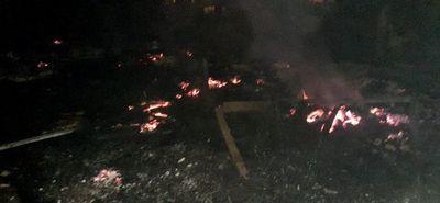 Vecinos queman casa donde ocurrió un homicidio
