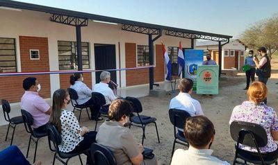 Inauguran obras en instituciones educativas de Boquerón