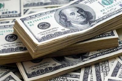 El dólar está imparable y seguirá al alza, advierte economista