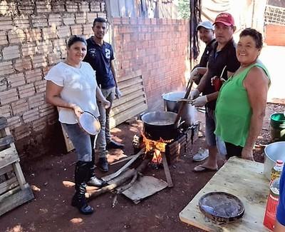 Devotos piden pan y trabajo a San Cayetano, ante fracaso de programa asistencial del gobierno