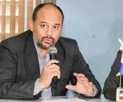 Viceministro de Salud en aislamiento tras presentar síntomas