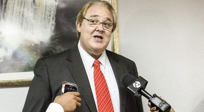 Gobernador recibe duras críticas de intendentes de la AMUALPA