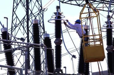 Con 7.500 nuevos transformadores, ANDE busca asegurar distribución eléctrica en el verano