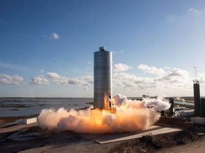 SpaceX continúa aumentando su red de satélites para Internet