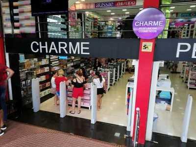Quien es la EVASORA En Lin Tang de CHARME Perfumería..?