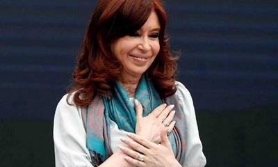 """Kirchner demanda a Google por aparecer como """"ladrona de Argentina"""""""