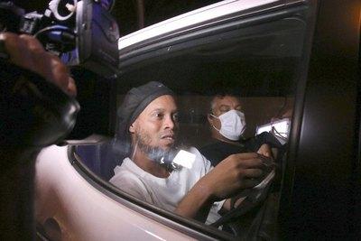 Ronaldinho a un paso de conseguir su libertad