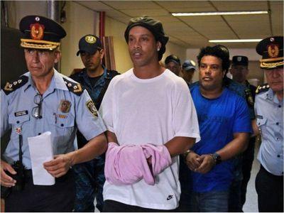 Fiscalía pide condena de un año para Ronaldinho