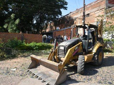 Asunción: Comuna despeja calle ocupada por empresa