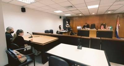 HOY / Exfiscal condenado a 4 años de cárcel por coima