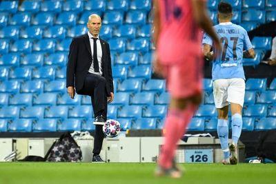 """Zidane: """"Soy el entrenador del Madrid hasta que pase algo"""""""