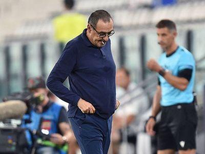 """Sarri dice que está """"destrozado moralmente"""", pero que no teme perder puesto"""