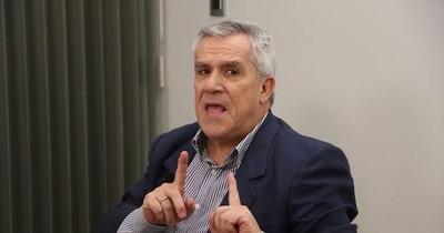 Galeano Perrone afirmó que Friedmann es un estorbo para Abdo Benítez