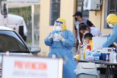 Más de una centena de nuevos casos y tres muertos