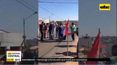 Queman simbólicamente a ministro Benigno López