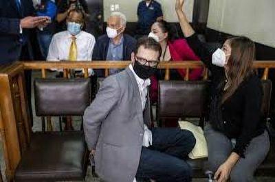 Un tribunal guatemalteco avala el proceso de extradición de hijo de expresidente