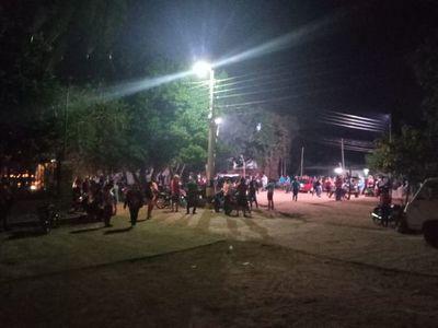 Familias de asentamiento rodean propiedad de Copaco esperando promulgación presidencial