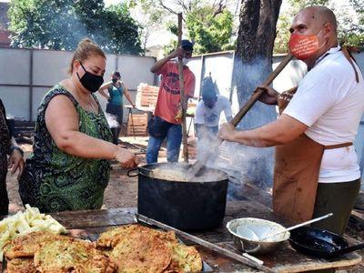 Con olla popular y en modo Covid honran a San Cayé