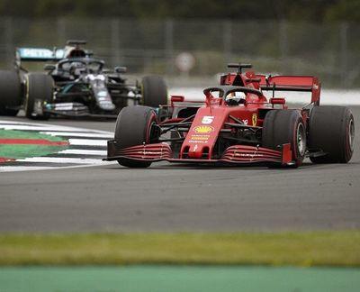 Mercedes sigue por  encima del resto en Silverstone