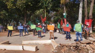 Endeudan al país y hablan de recuperación económica, cuestiona la FNC