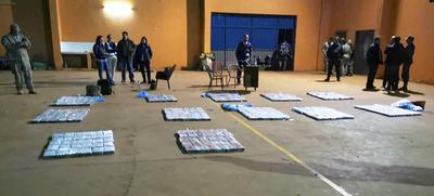 Desarticulan esquema de narcotráfico tras la incautación total de casi 3 toneladas de cocaína.